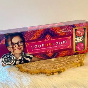 Quarantine Crafts! -Loop de Loom Kit 🧶Ages 8+ NWT